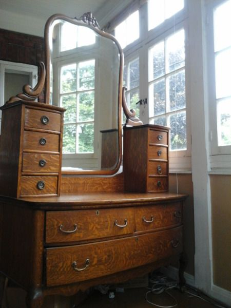Antique Oak Dresser Art Et Objets De Collection Ville De Montreal Kijiji Montreal Ville Antiquite Dresser