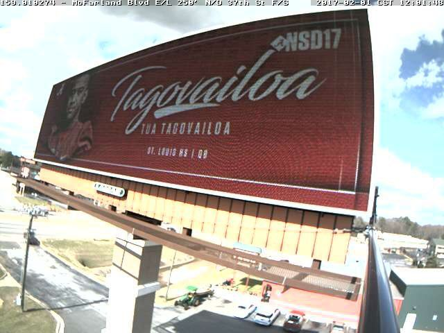 "Alabama Athletics on Twitter: ""Billboards have been circulating around Tuscaloosa all day to celebrate the new @AlabamaFTBL class! #BamaNSD17 #RollTide 🐘📠🎉   #Alabama #RollTide #Bama #BuiltByBama #RTR #CrimsonTide #RammerJammer #NSD #NSD17"