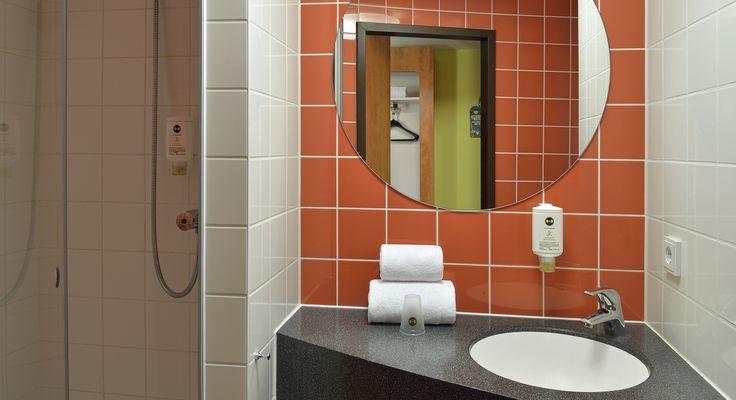 Badezimmer im B&B Hotel Koblenz