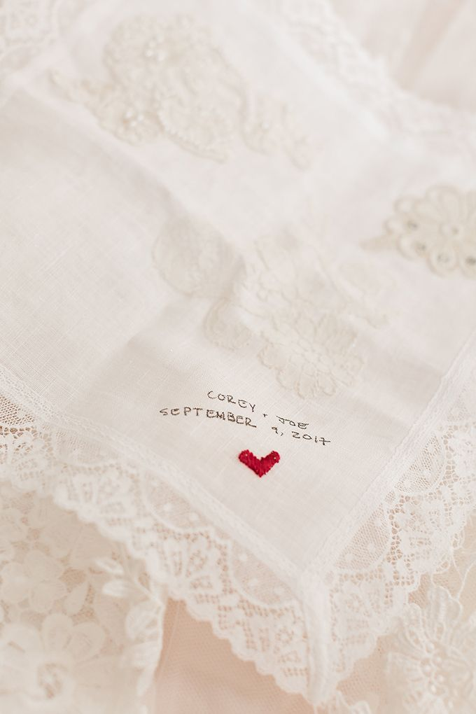 heirloom hankie with grandmothers' lace | Amy Allen Photography | Glamour & Grace