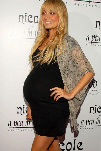 Nicole Richie schwanger. Wie auch Du immer umwerfend aussehen kannst erfährst Du hier http://www.stylesyoulove.de/guide/umstandsmode-guide-ganz-schoen-schwanger