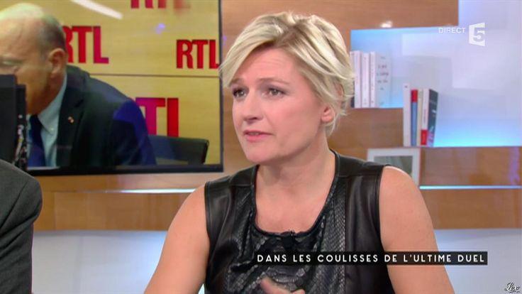 Anne-Elisabeth Lemoine dans C à Vous. Diffusé à la télévision le 23/11/16.