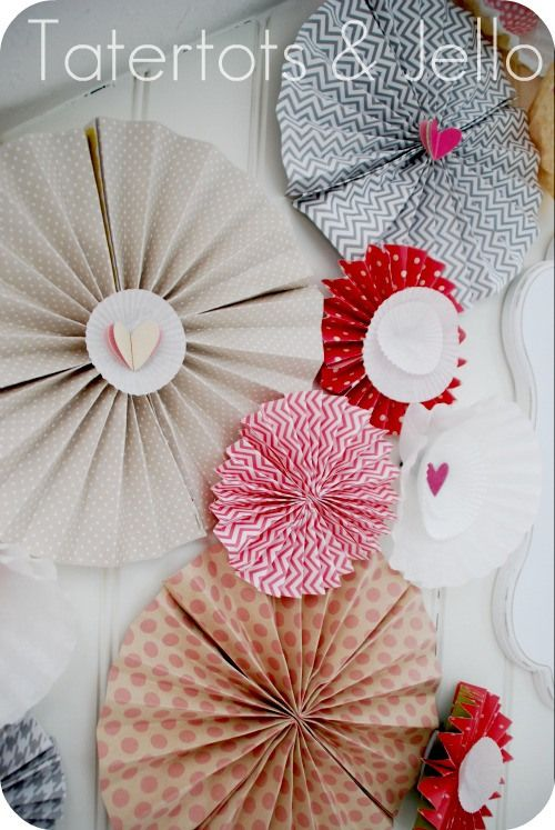 Paper rosettes tutorial for #ValentinesDay: Tutorials, Paper Rosettes Diy, Diy Paper Rosette, Valentines, Valentine Vignette, Rosettes Tutorial, Diy Paper Crafts, Crafts Diy, Craft Ideas