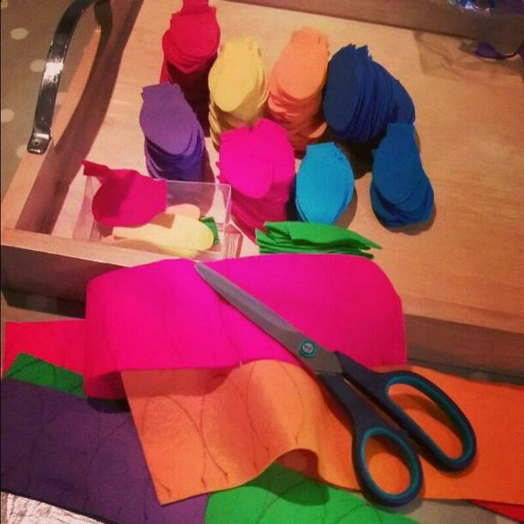 Busy cutting out lots of beautiful felt to make more Christmas light garlands!