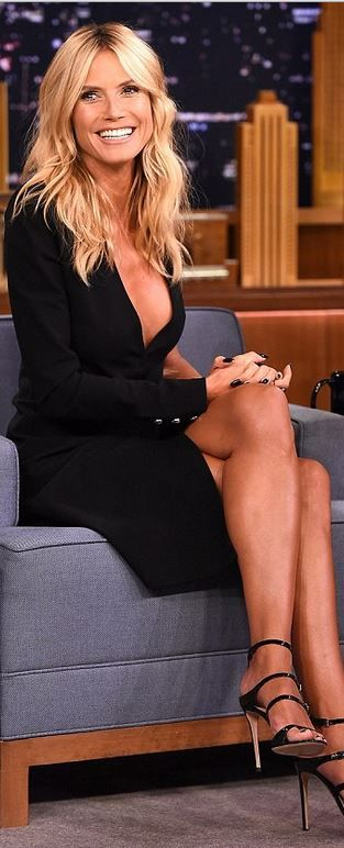 Who made  Heidi Klum's black wrap dress?
