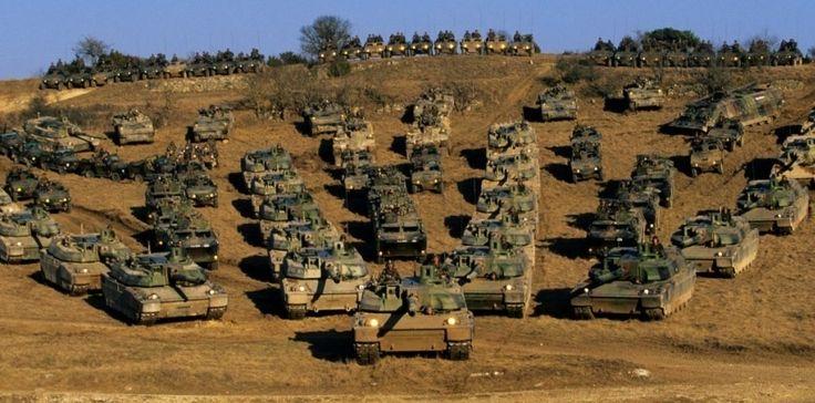 """Le ministère de la Défense a lancé la modernisation du char de combat Leclerc (Nexter). Une opération d'un montant de 330 millions d'euros environ.   La Direction générale de l'armement (DGA) a notifié à Nexter le marché de rénovation du char Leclerc. D'un montant d'environ 330 millions d'euros, le contrat prévoit la livraison à partir de 2020 de 200 chars """"Leclerc Rénové"""" et de 18 dépanneurs de char """"DCL Rénové"""". Cette commande constitue la troisième opération lancée par le ministère de la…"""