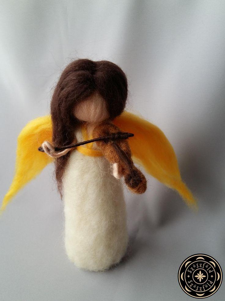 Angyal hegedűvel-nemezbaba, angyal, gyapjúbaba, gyapjú, nemez, tűnemez, karácsony