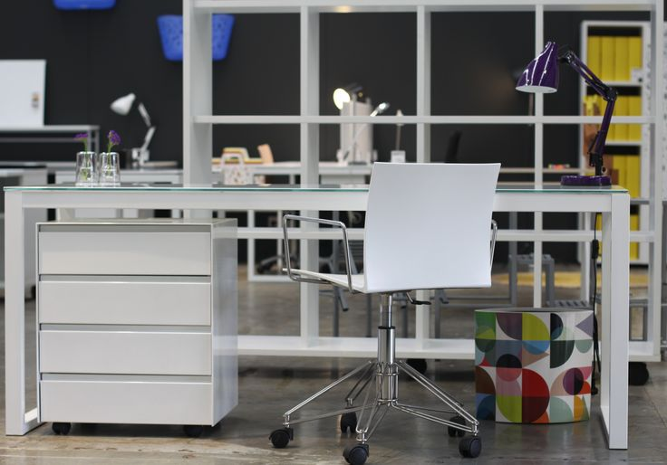 MD 1800 x 600 Desk, and Flat Front 4 Drawer. Office set up.  www.aerodesigns.com.au