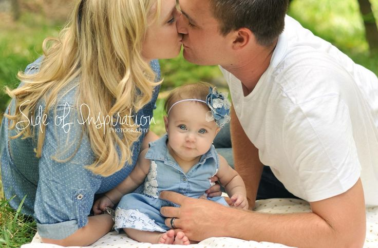 6 month old baby girl session- half birthday session- outdoor family session- 6 month old photography