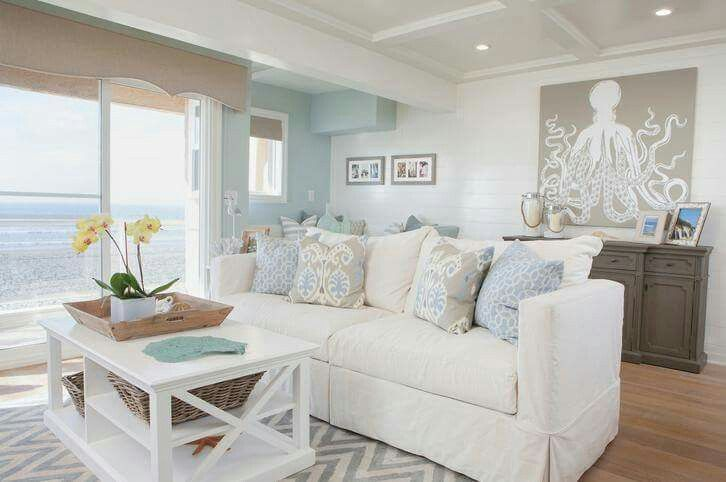 Beach Cottage Living Room #hamptonsstyle