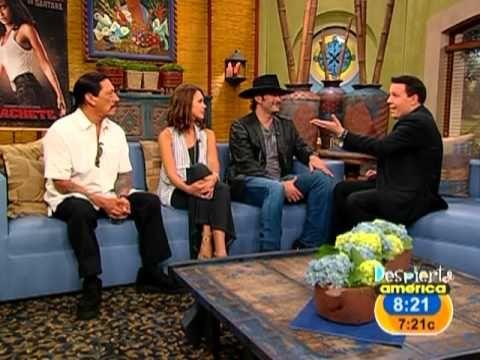 Jessica Alba y Danny Trejo hablan de MACHETE la nueva película del Director Robert Rodriguez, quién también está habla de su film. Jessica Alba and Danny Tre...