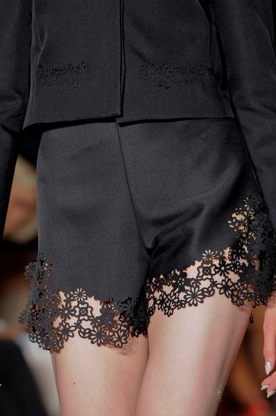 Honor Spring 2014 - Details Love this affect. Unevenly goes into the delicate flowers.