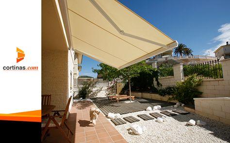 Disfruta y protege al mismo tiempo tus exteriores. www.cortinas.com