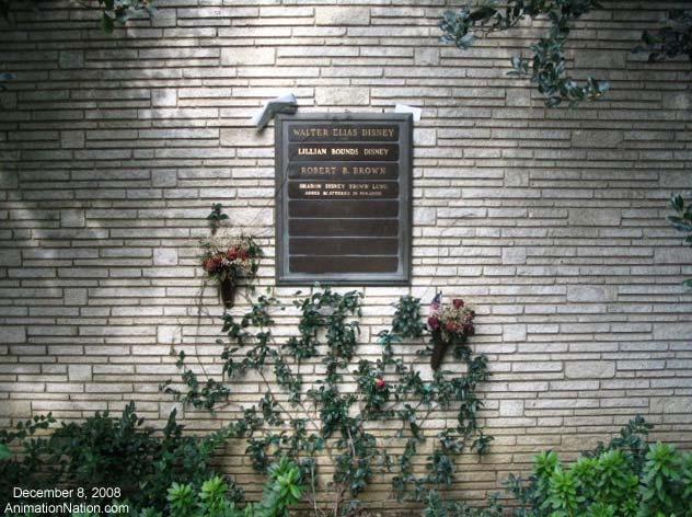 walt disney - forrest lawn memorial park Glendale California: Buckets Lists, Forrest Lawn, Forgotten Burial, Burial Site, Parks Glendal, Memories Parks, Glendal California, Famous Gravesites, Disney California