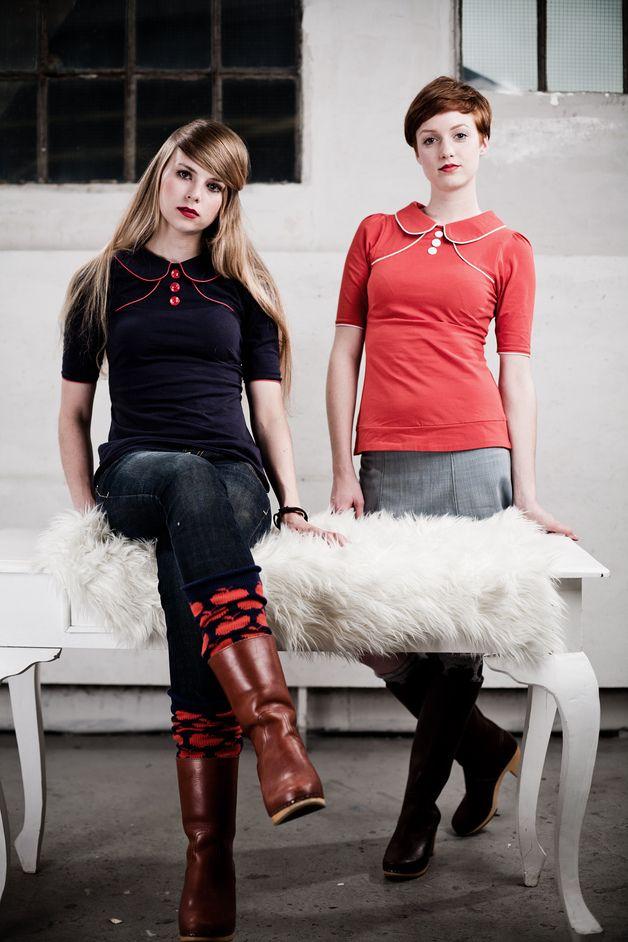 T-Shirts mit Print - Marineblaue 60er Jahre Bluse - ein Designerstück von Peppermint_Patty bei DaWanda