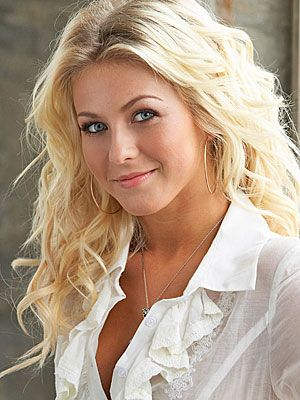 Julianne Hough  She can dance~