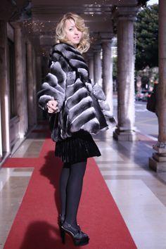 Here I am wearinge fur Coat by Carlo Ramello Shoes and Dress : Moschino   #fur #furlovers #ladyfur #milan #street #coat #style #fashion #blog #welovefur #leather #skin #chinchilla #moschino #totallook #look #fashionblog #carloramello #heels #redcarpet #blondie