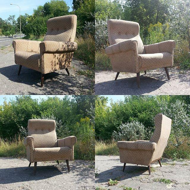 Great big armchair Duży fotel wypoczynkowy  super ! #vintage #interiors #furniture #vintageshop #sklepvintage #poznan #midcenturymodern #midcentury #vintagestyle #armchair #sessel #silla #fotel #fotele #chair #projektvintage #old #starocie #brocante #wnętrza #70s #lata70te #70er