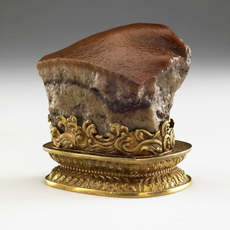 China, Qing dynasty (1644–1911). Stone: jasper; stand: gold. National Palace Museum, Taipei, Guza 000178 Lü-413. Photograph © National Palace Museum, ...