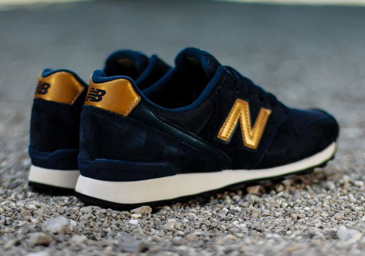 New Balance Womens 996: Navy/Gold Logo