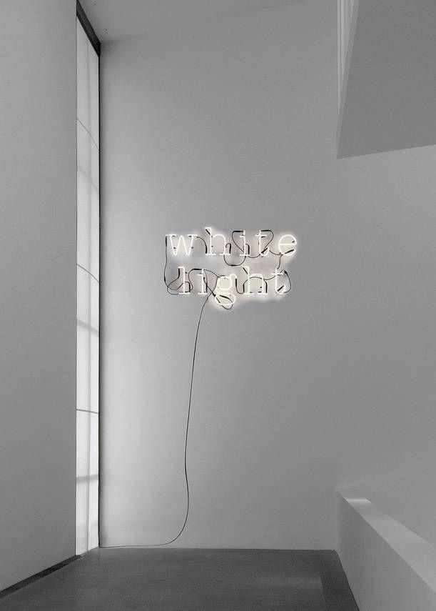 Super tof deze wandlampen van Seletti. Elke letter is los te bestellen zo creëer jij een tof kunstwerk aan de wand met welk woord je maar wilt! LET OP, bestel