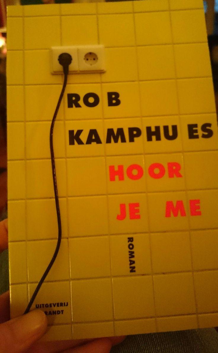 14/52 Weg met de vooroordelen. Rob #Kamphues heeft een goed boek geschreven! Over de waarheid vertellen wanneer je denkt dat die persoon je niet hoort/verstaat. Interessant. Lezen dus.