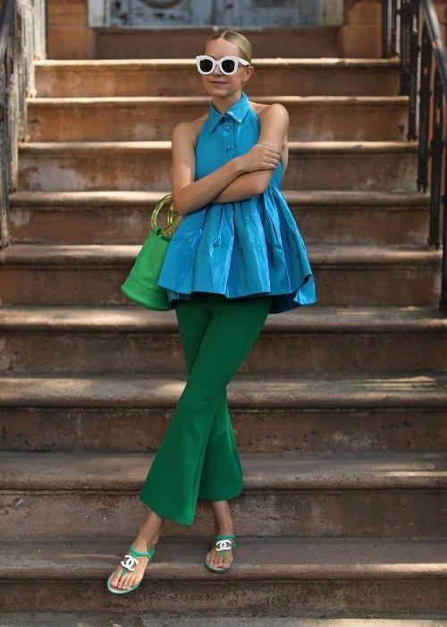 ٥ ألوان يمكنك تنسيقها مع اللون الأزرق لن تتوقعيها Stylish Women Fashion Colourful Outfits Colorful Fashion