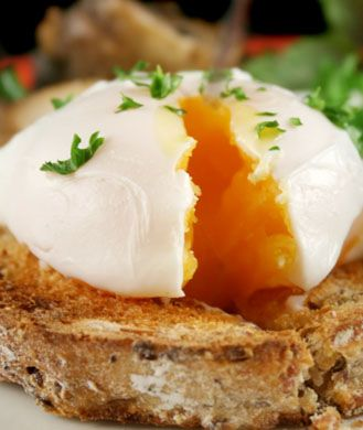 how to cook an egg in the microwave sunny side up