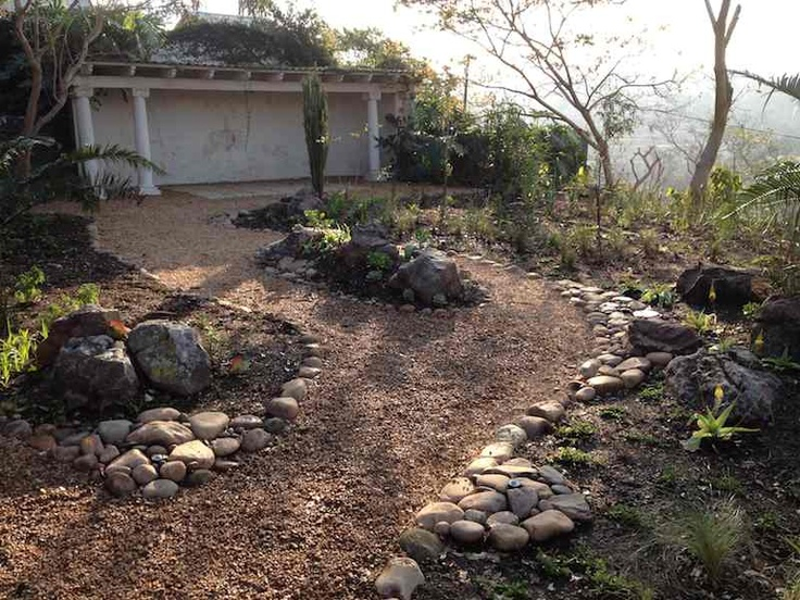 1000 ideas about stone edging on pinterest landscape for Gravel path edging ideas