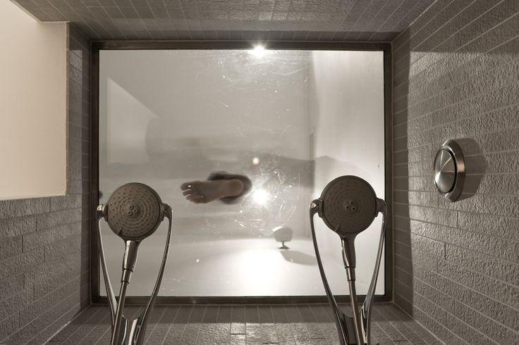 Split Level Studio with unique shower experience @ STROOM Rotterdam - hotel, brasserie, bakery, espressobar.  Your urban boutique experience. www.stroomrotterdam.nl #Shower #Bathroom #design