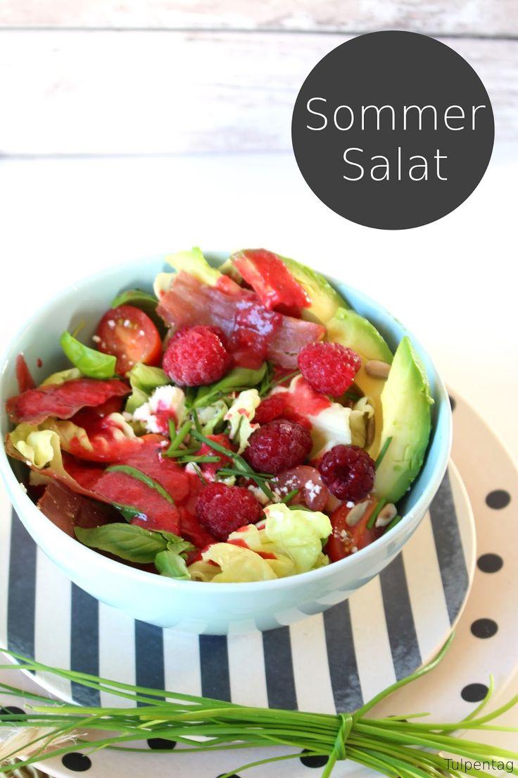 Tulpentag: Beeriger Sommer-Salat mit fruchtiger Vinaigrette #Dressing #Himbeeren #Avocdo