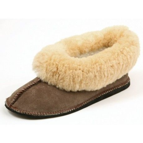 Genuine sheepswool slipper with a durable outsole.