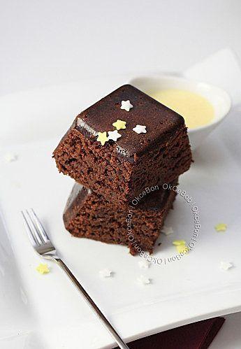 200 ml de lait de coco 300 g de cassonade 100 g de farine 3 oeufs 100 g de beurre 200 g de chocolat pâtissier ( Nestlé noir corsé) 1/2 sachet de levure