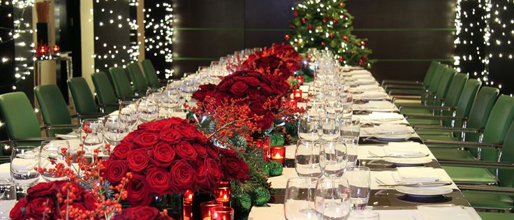 Stunning #christmas table decorations at One Aldwych, London | http://www.simplyhoteljobs.com/recruiters/one-aldwych-london