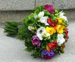 Flowers Garden, passion for colours: Buchet de mireasa, frezii multicolore, trachelium,...