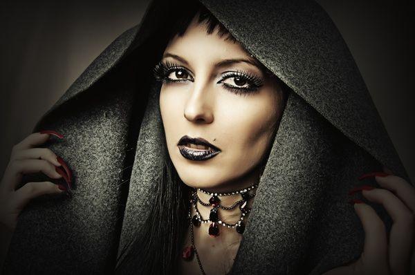 halloween GOTHIC ADS | Make up Halloween 2012 trucco strega vampiro zombie Trucco da strega ...