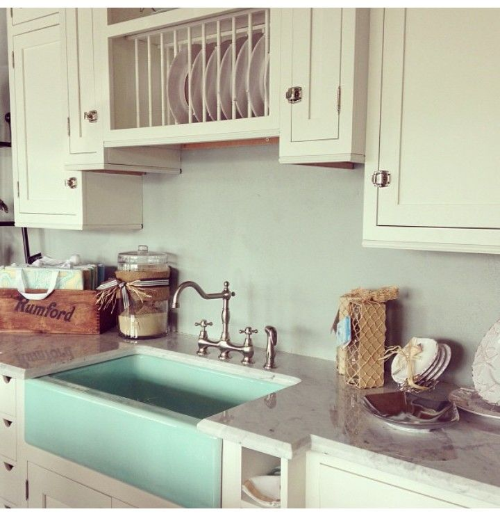 Oh my word I LOVE this!!! Seriously would be stoked to find a sink like that!!!!