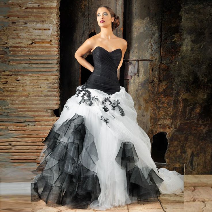 Find More Wedding Dresses Information about Victoria style White and Black Wedding Dresses Appliques Pleated Robe De Mariee Cheap Long  Sweetheart 2016 Vestido De Noiva,High Quality wedding dresses 3 4 length sleeves,China wedding dress color Suppliers, Cheap dress up black dress from Hello May Dresses Custom Made on Aliexpress.com