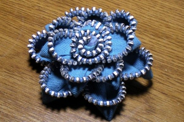 HOW TO MAKE ZIPPER FLOWERS - STEP BY STEP TUTORIAL
