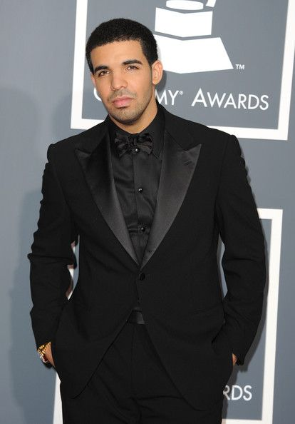 Celebrity Tuxedos USA online - stores, outlet, hours