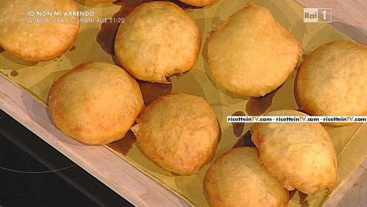"""La ricetta dei bomboloni di patate con mortadella di Anna Moroni del 15 febbraio 2016, a """"La prova del cuoco"""""""