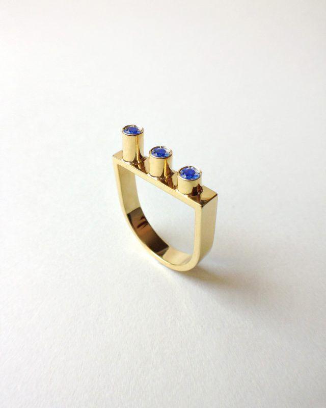 CYLINDERS RING. Geometric Obsession Jewelry Collection SHOP www.danielacoppolino.com  #oro #gold #rubies #anello #architecturaljewelry #finejewelry #ring #rubini #ruby #gioielli #jewels #jewel #jewelry