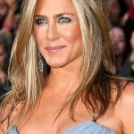 jennifer-aniston-brown-hair-with-blonde-highlights