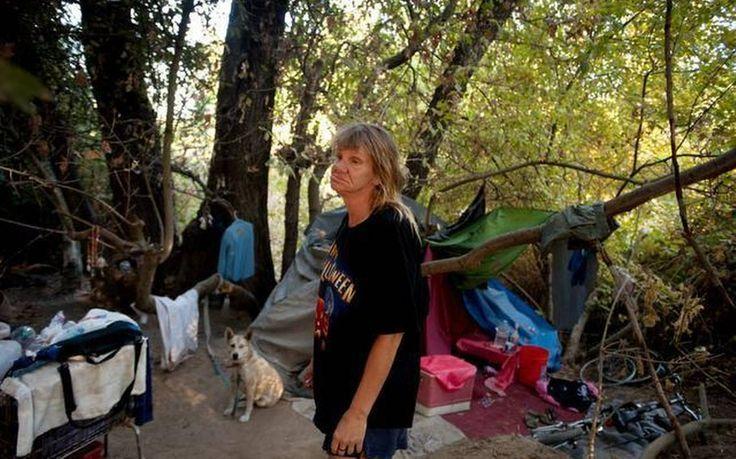 Homeless California city, Homeless, Laundry clothes