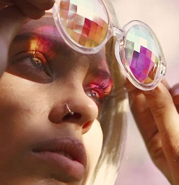 Experience your new kaleidoscopic reality in our classic and most popular p0rtal. These lightweight crystal specs will truly captivate your senses and have those around you spellbound. High-quality cr