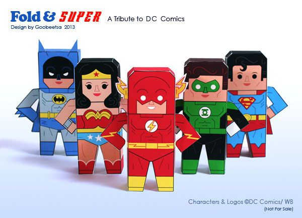 Super Hero downloadable paper craft: Batman, Wonder Woman, Superman, The Flash and Green Lantern.