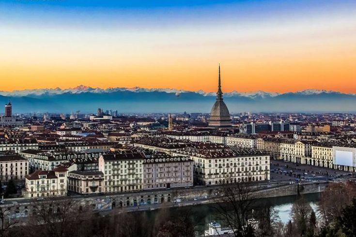 Torino allo specchio dopo la pioggia - Torino http://torino.repubblica.it/cronaca/2015/10/06/foto/torino_allo_specchio_dopo_la_pioggia-124468103/1/?ref=fbplto