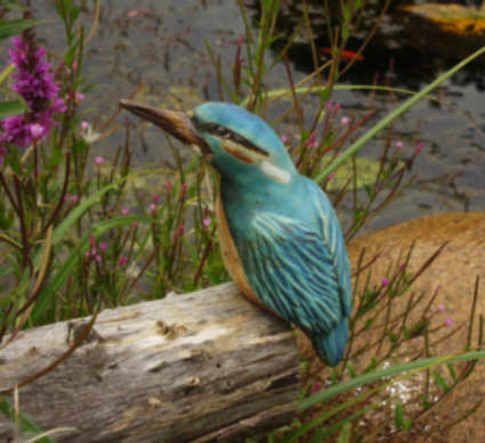 handmodellierte Vögel aus Keramik l Tiere I Gartenkeramik frostfest I Kleiber l Eisvogel I Specht I Buntspecht I Spatz I Gimpel I