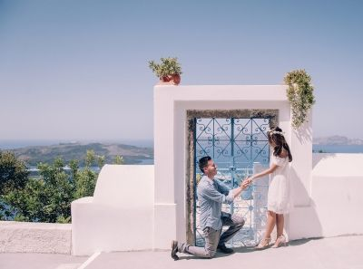 Wedding proposal in Santorini. Click in the image to see the full collection - www.photographergreece.com