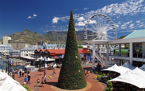A distinctly bright and breezy festive tree at the V&A Waterfront. #seasonsgreetings #holiday #capetown #southafrica #southernhemisphere #whatwinter